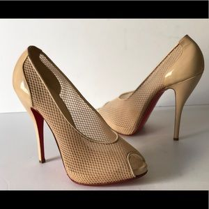 CHRISTIAN LOUBOUTIN NUDE PATENT LEATHER AND MESH